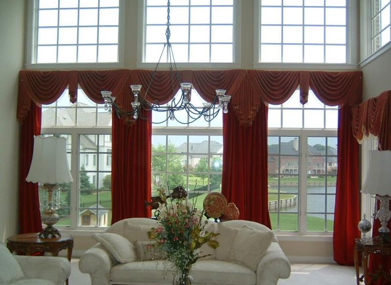 21 Living Rooms With Huge Picture Windows-13