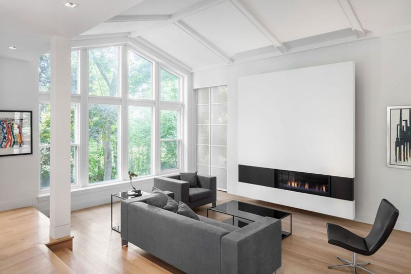 21 Living Rooms With Huge Picture Windows-14