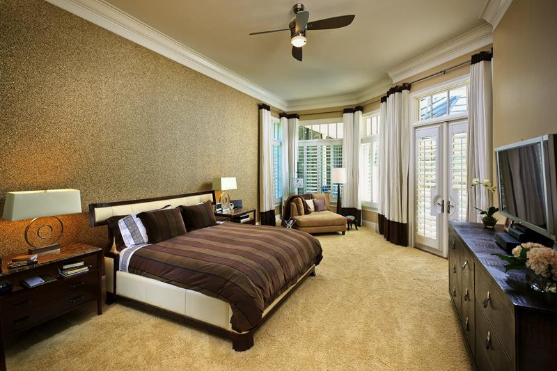 24 Stylish Master Bedrooms With Carpet-4