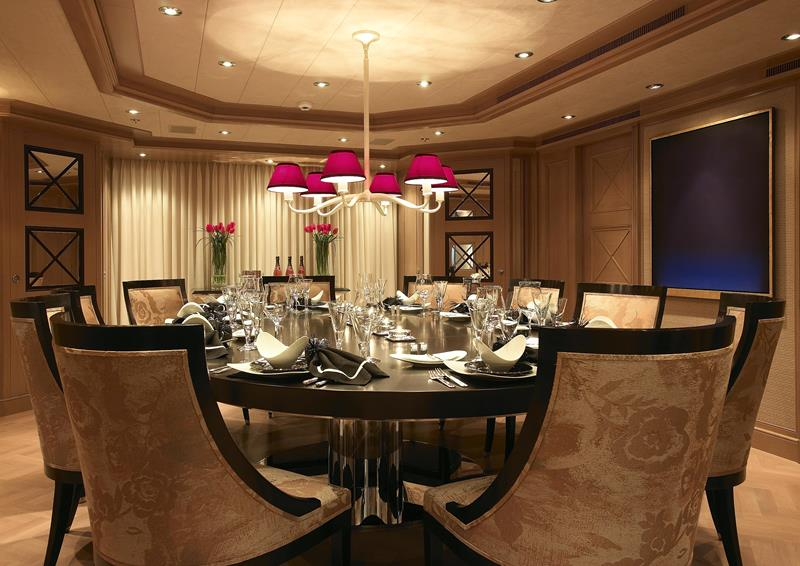 25 Luxurious Dining Room Designs-title