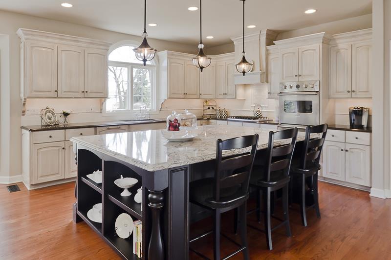 26 Stunning Kitchen Island Designs-3