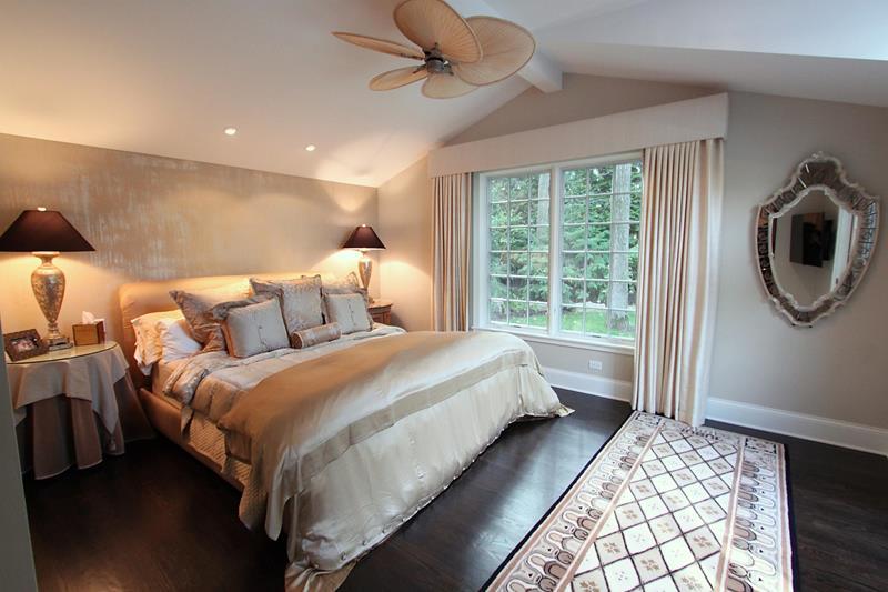 28 Master Bedrooms With Hardwood Floors-1