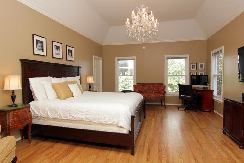 excellent wood flooring bedroom ideas | 28 Master Bedrooms With Hardwood Floors
