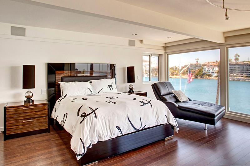 28 Master Bedrooms With Hardwood Floors-title
