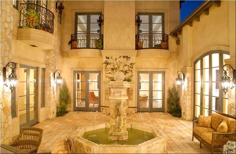 14 Pictures of the Home Britney Spears Melted Down In-7