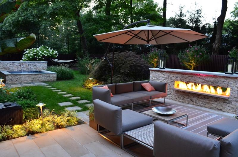 17 Amazing Backyard Fire Pits to Gather Around-14