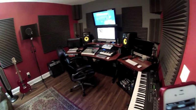 18 Amazing Home Studio Setups Any Musician Would Love-15