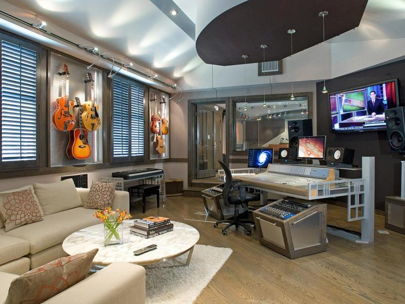 18 Amazing Home Studio Setups Any Musician Would Love-17