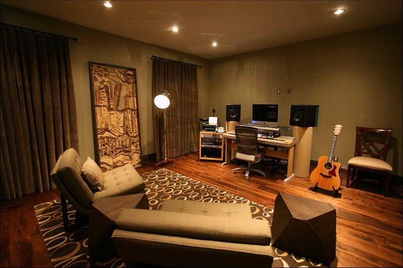 18 Amazing Home Studio Setups Any Musician Would Love-6