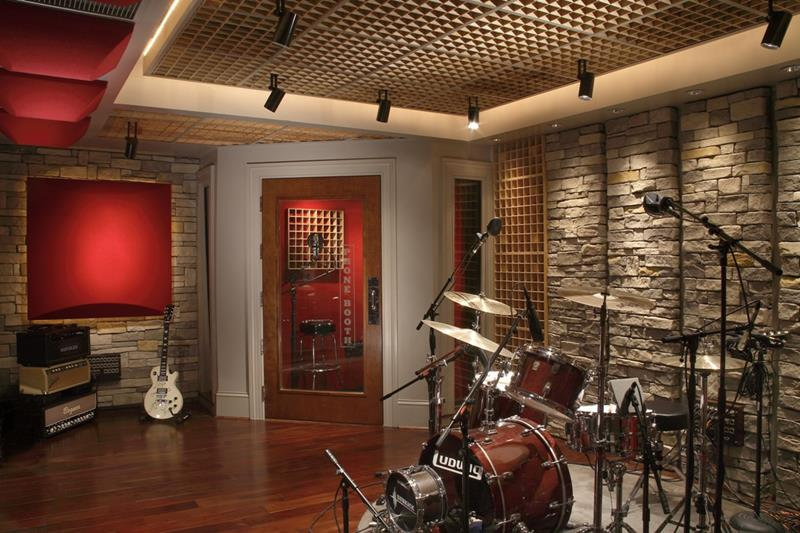 18 Amazing Home Studio Setups Any Musician Would Love-title