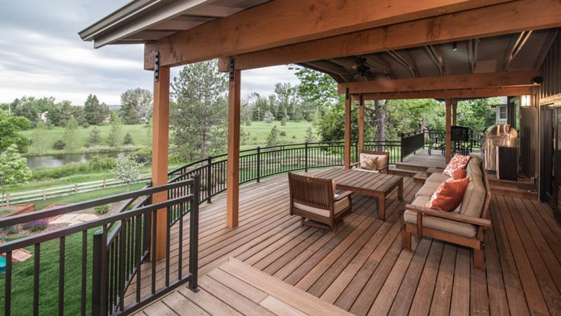18 Deck Designs That Are Absolutely Stunning-10