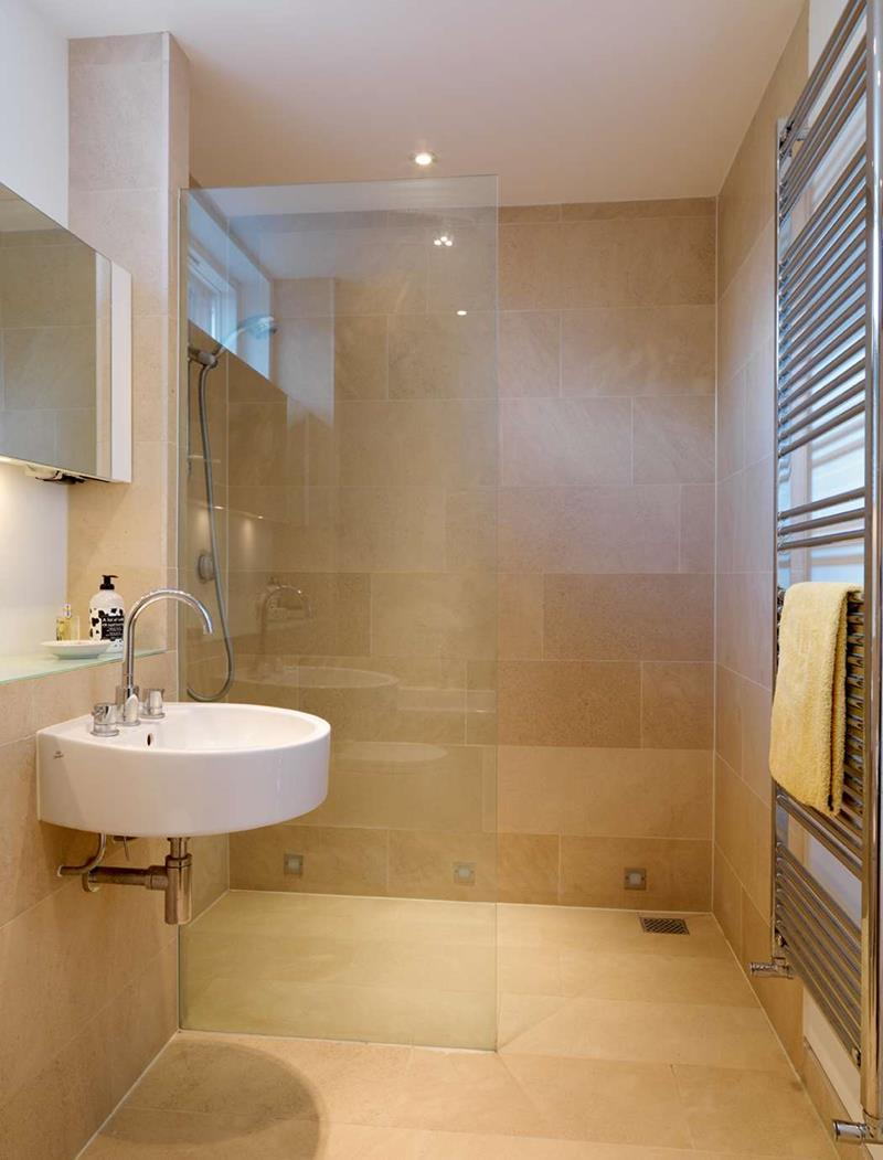 21 Simply Amazing Small Bathroom Designs-title