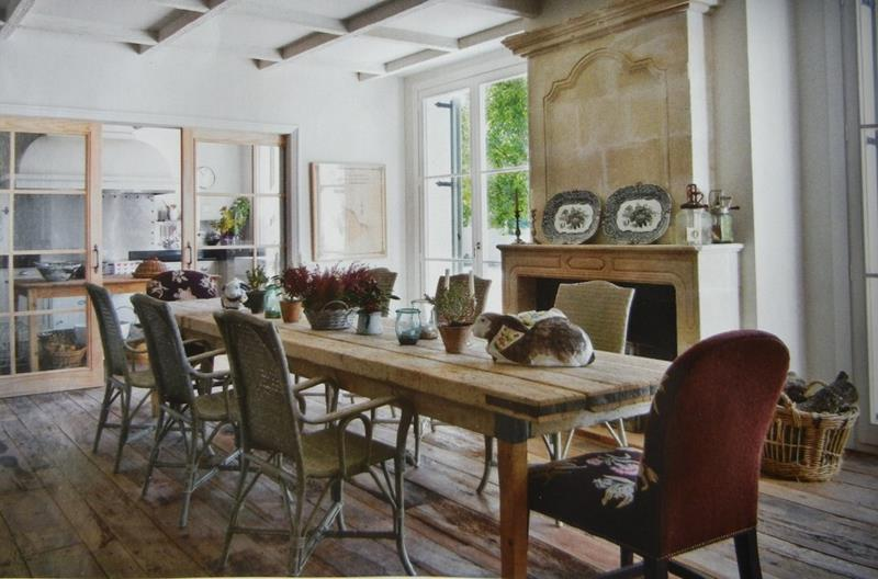 24 Totally Inviting Rustic Dining Room Designs-10