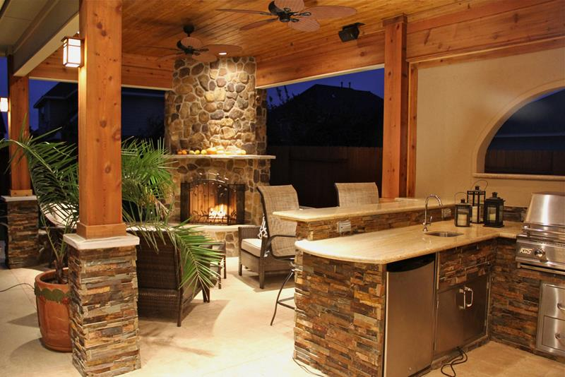 25 Outdoor Kitchen Designs That Will Light Up Your Grill-12