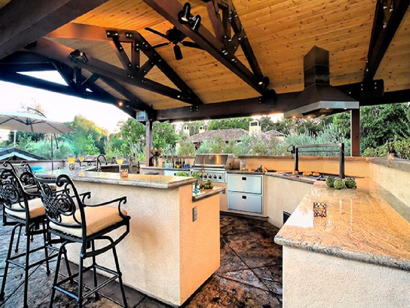25 Outdoor Kitchen Designs That Will Light Up Your Grill-13