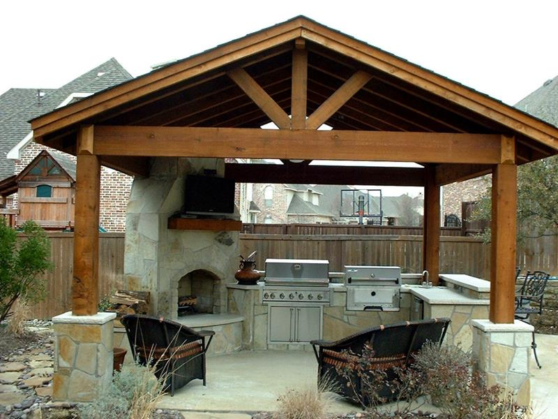 25 Outdoor Kitchen Designs That Will Light Up Your Grill-6