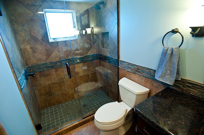 22 Masculine Bathroom Designs-10