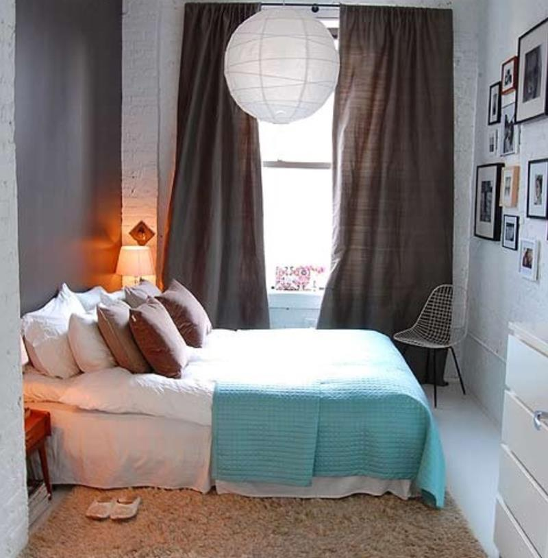 23 Efficient and Attractive Small Bedroom Designs-12
