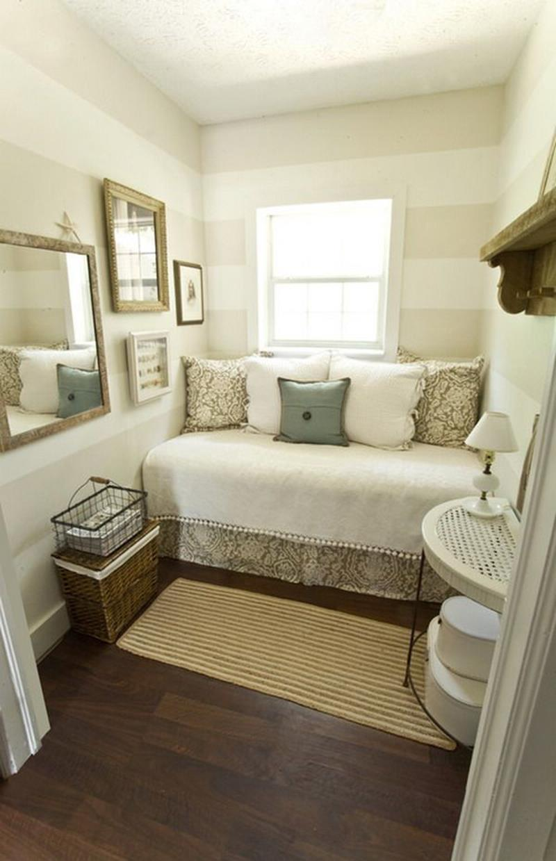23 Efficient and Attractive Small Bedroom Designs-13