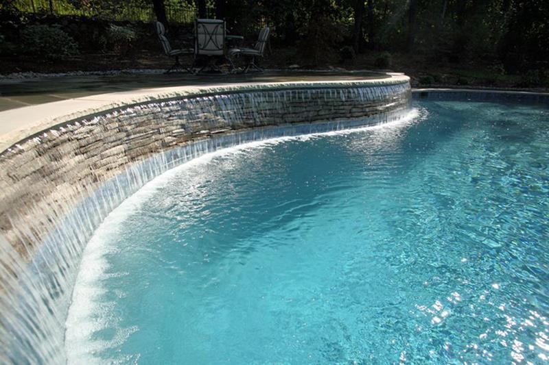 23 Visually Interesting In Ground Pool Designs-10