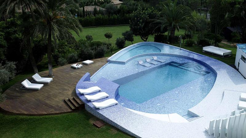 23 Visually Interesting In Ground Pool Designs-14