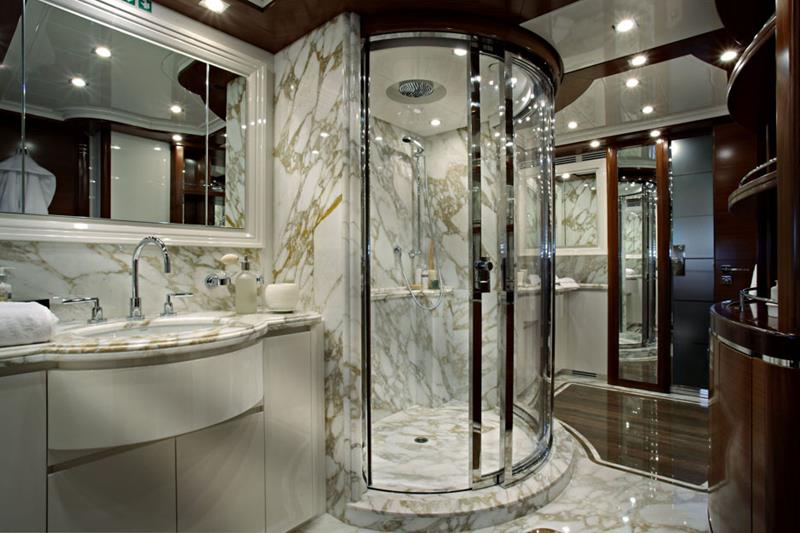24 Incredible Master Bathroom Designs-14