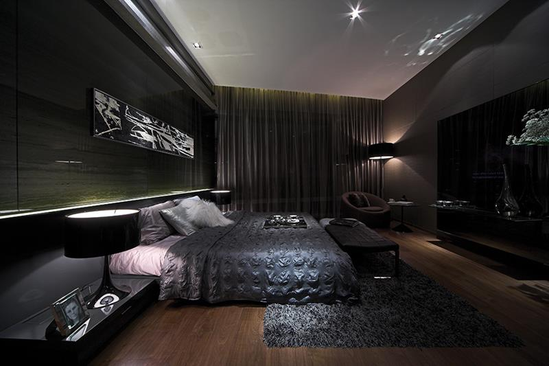 25 Dark Master Bedroom Designs Perfect for Snoozing-6