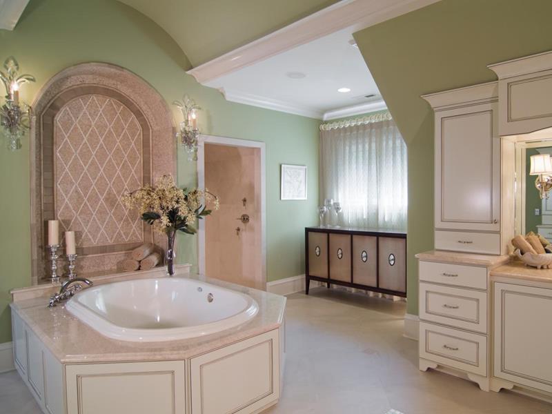 25 Serene and Feminine Bathroom Designs-16