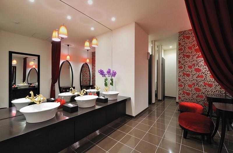 25 Serene and Feminine Bathroom Designs-17