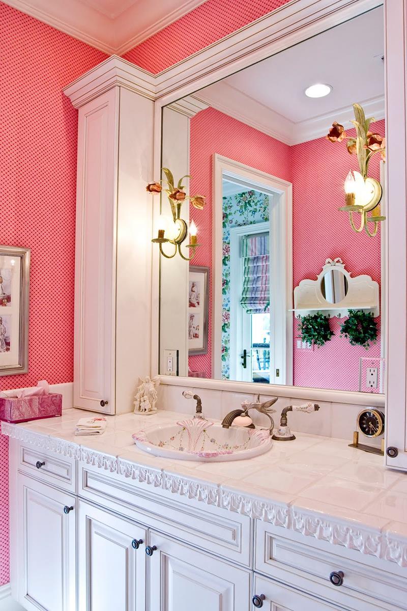 25 Serene and Feminine Bathroom Designs-6