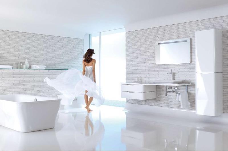 25 Serene and Feminine Bathroom Designs-title