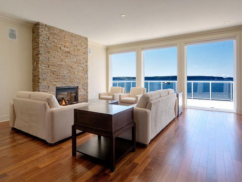 25 Stunning Living Rooms With Hardwood Floors-2
