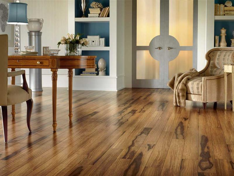 25 Stunning Living Rooms With Hardwood Floors-7