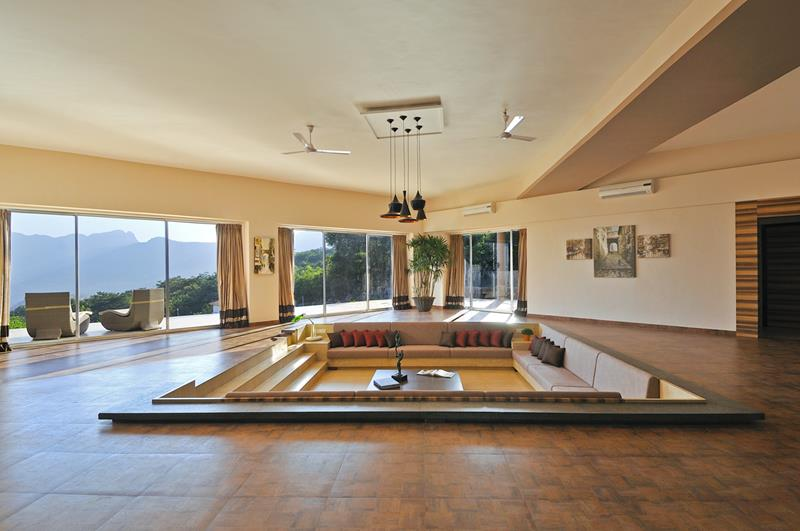 Super Comfortable Sunken Living Rooms That Will Catch Your Eye