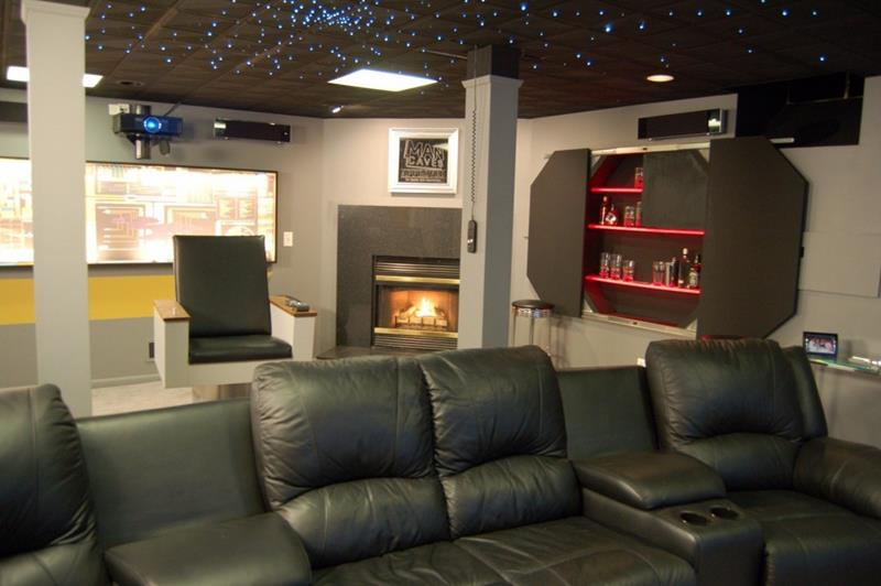 27 Awesome Man Caves Before Football Season-22