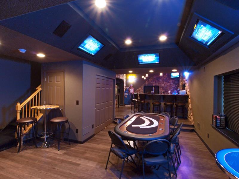 27 Awesome Man Caves Before Football Season-26