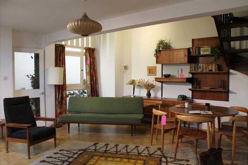 27 Beautiful Mid Century Living Room Designs-4