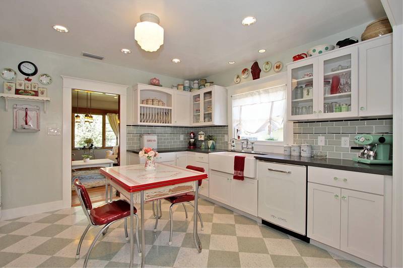 Retro Kitchen Accessories