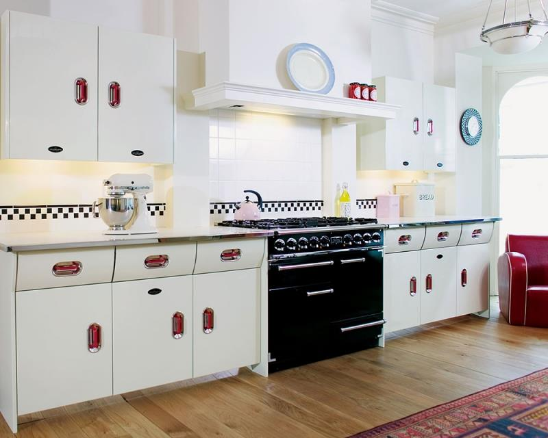 27 Retro Kitchen Designs That Are Back to the Future-7