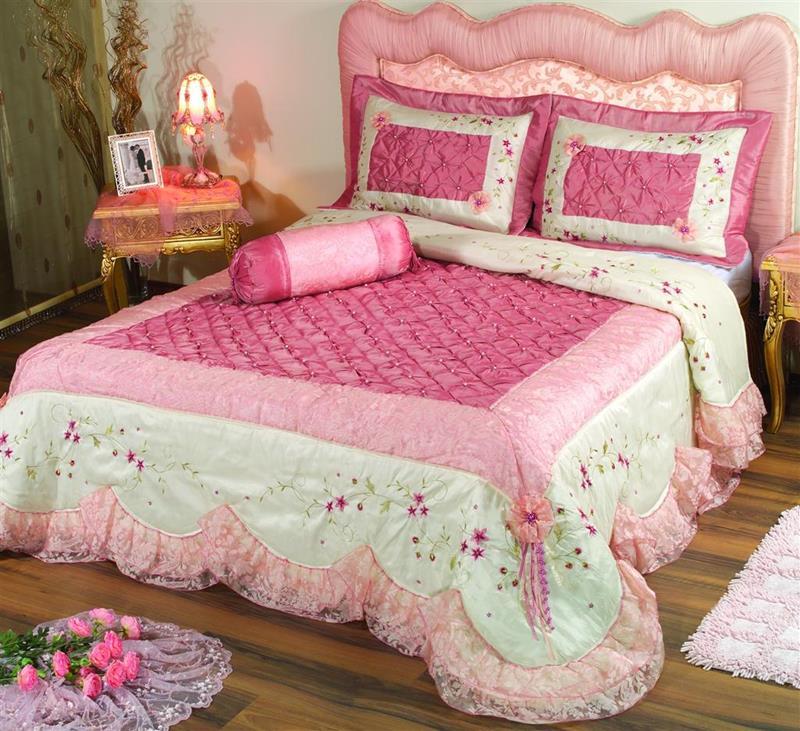 31 Pretty in Pink Bedroom Designs-21