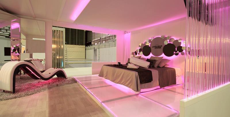 31 Pretty in Pink Bedroom Designs-25