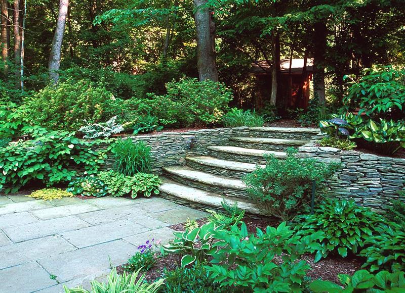 18 Inspirational and Beautiful Backyard Gardens-16
