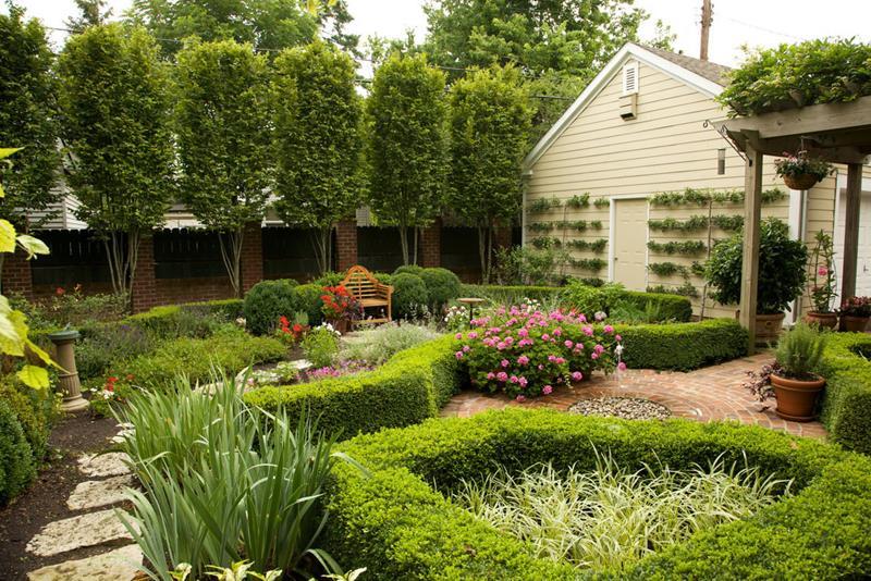 18 Inspirational and Beautiful Backyard Gardens-17