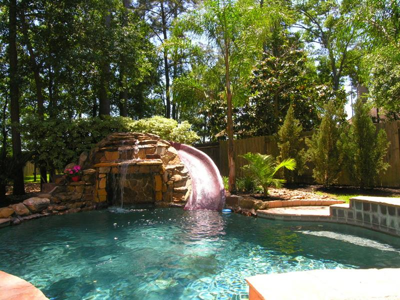 20 Backyards With Stunning Waterfalls-12