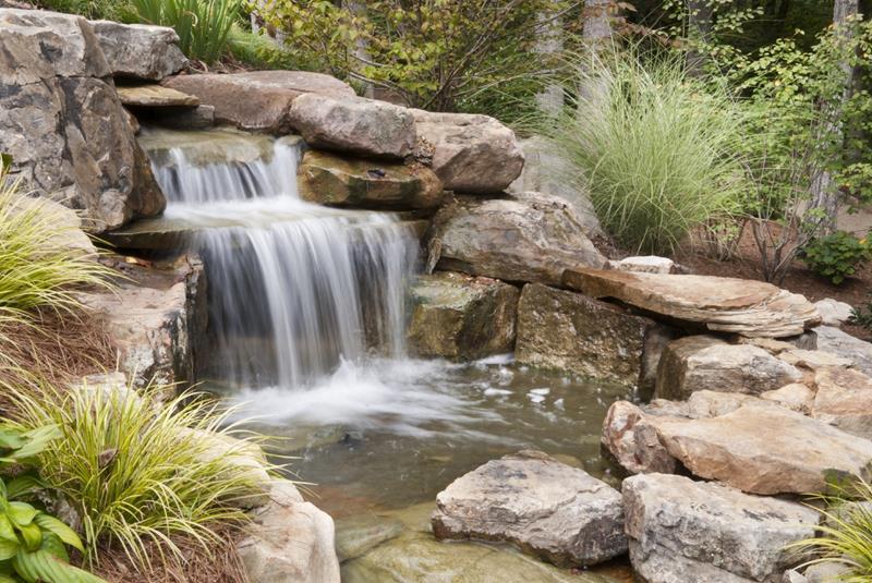 20 Backyards With Stunning Waterfalls-6
