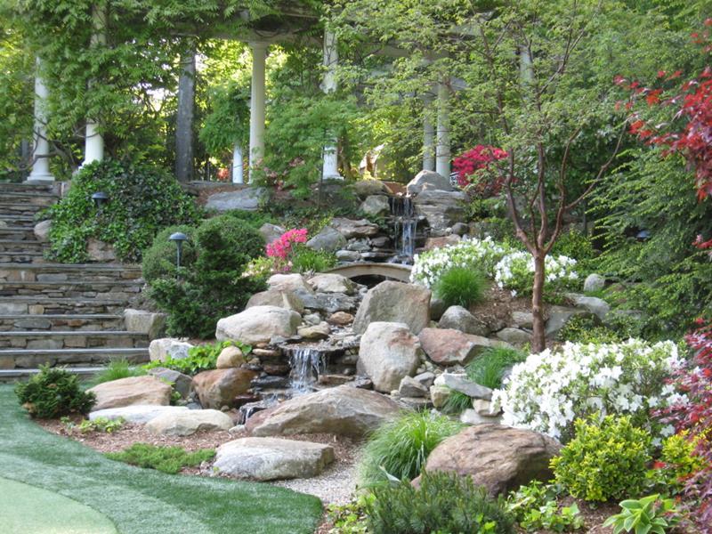 20 Backyards With Stunning Waterfalls-7