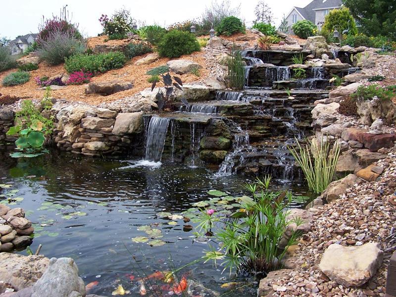 20 Backyards With Stunning Waterfalls-9
