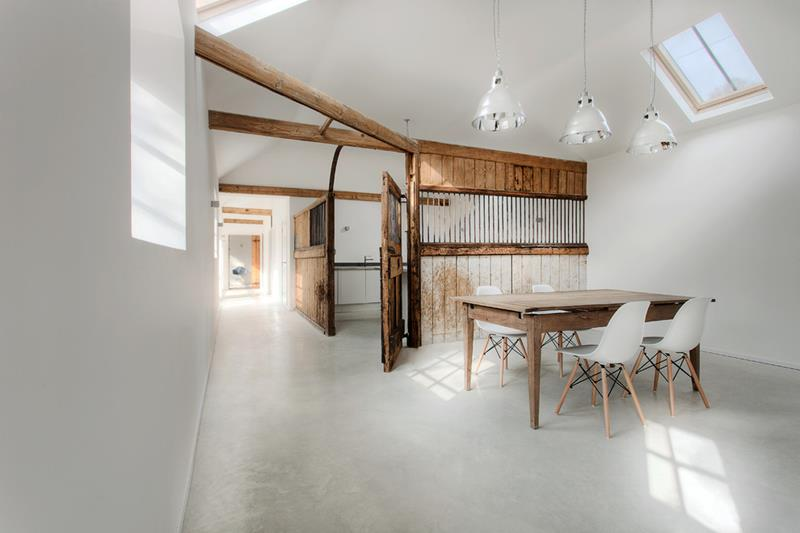 21 Dining Rooms With Beautiful Concrete Floors-13
