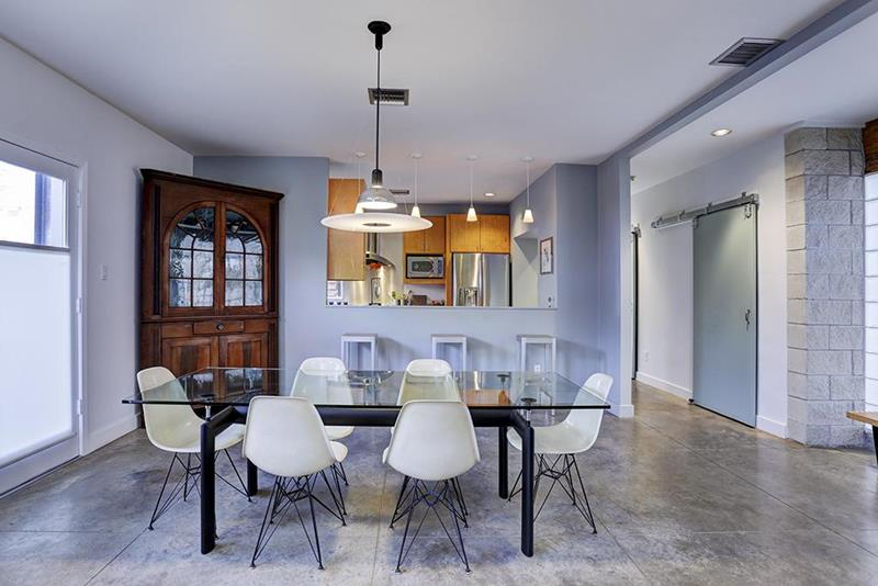 21 Dining Rooms With Beautiful Concrete Floors-16