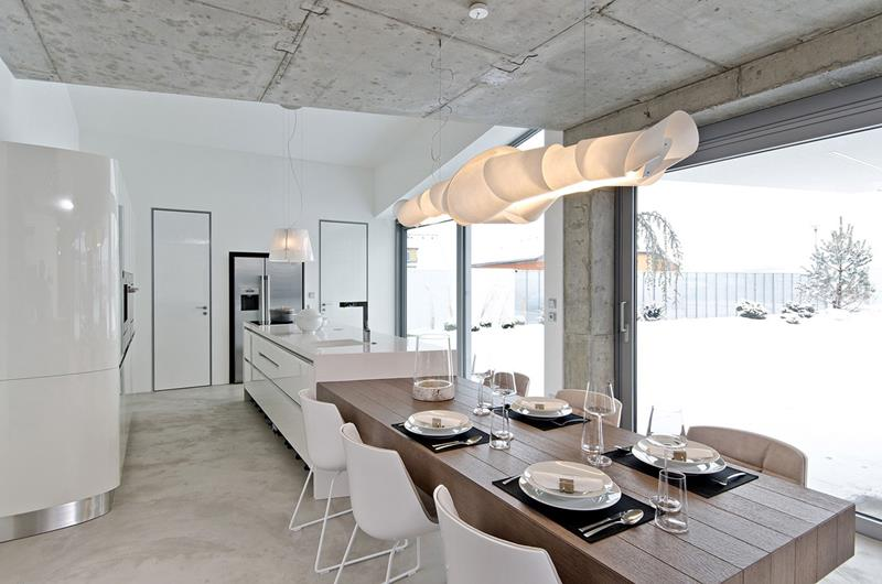 21 Dining Rooms With Beautiful Concrete Floors-17